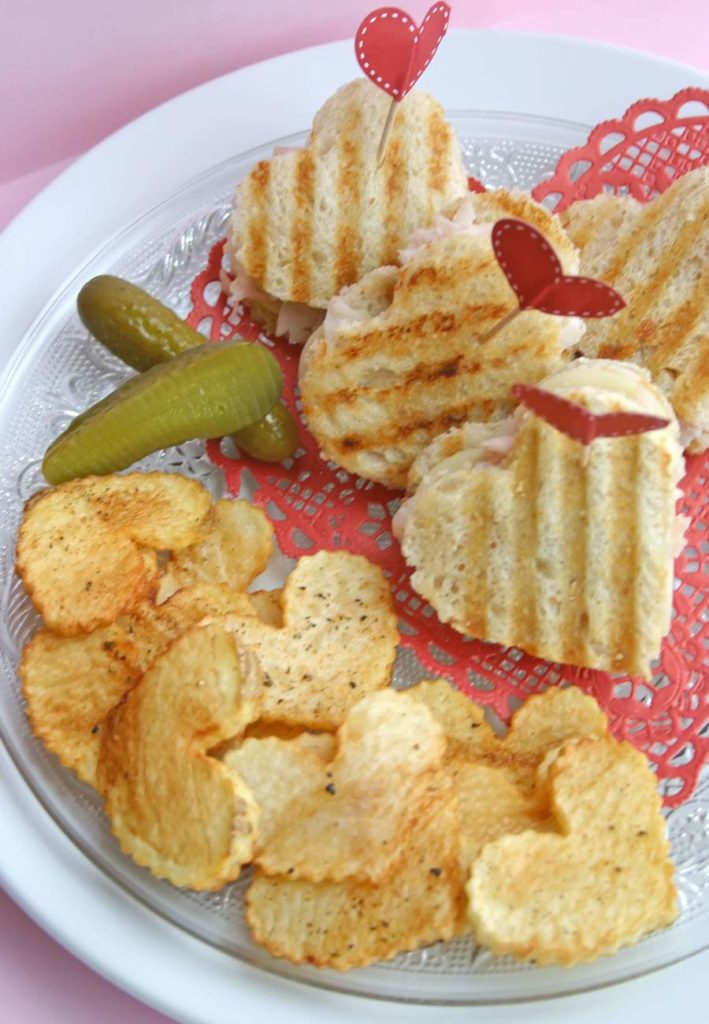 Heart-shaped cookie-cutter Valentine's Day lunch | Celebrate Creativity