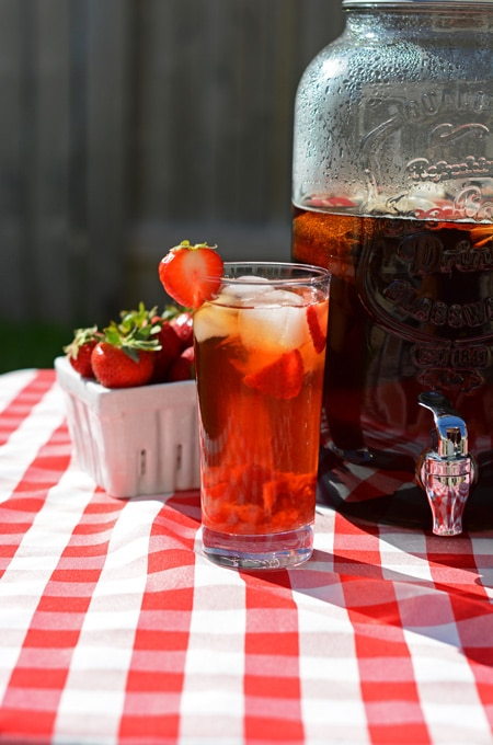 Upgrade your sun tea with fruit compotes | Strawberry sun tea at The Cake Chica