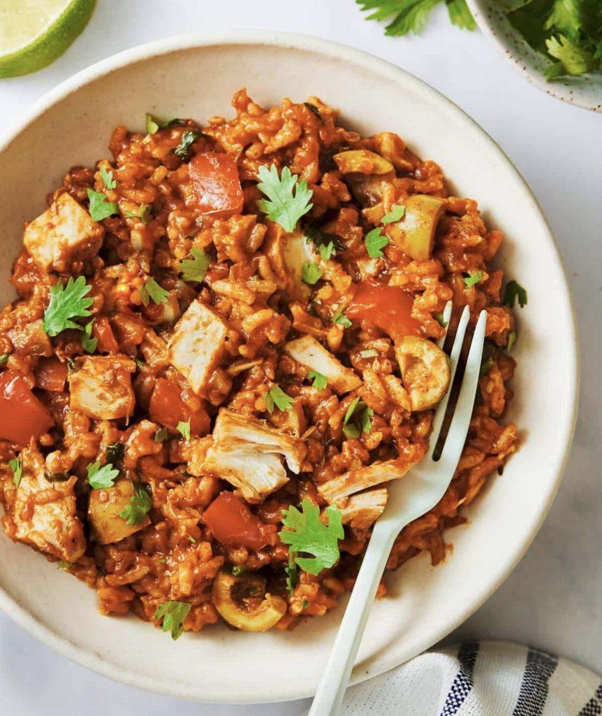 Arroz Con Pollo recipe via Pinch of Yum