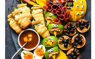 Halloween Snack Tray ideas we love, like this one from Foxes Love Lemons