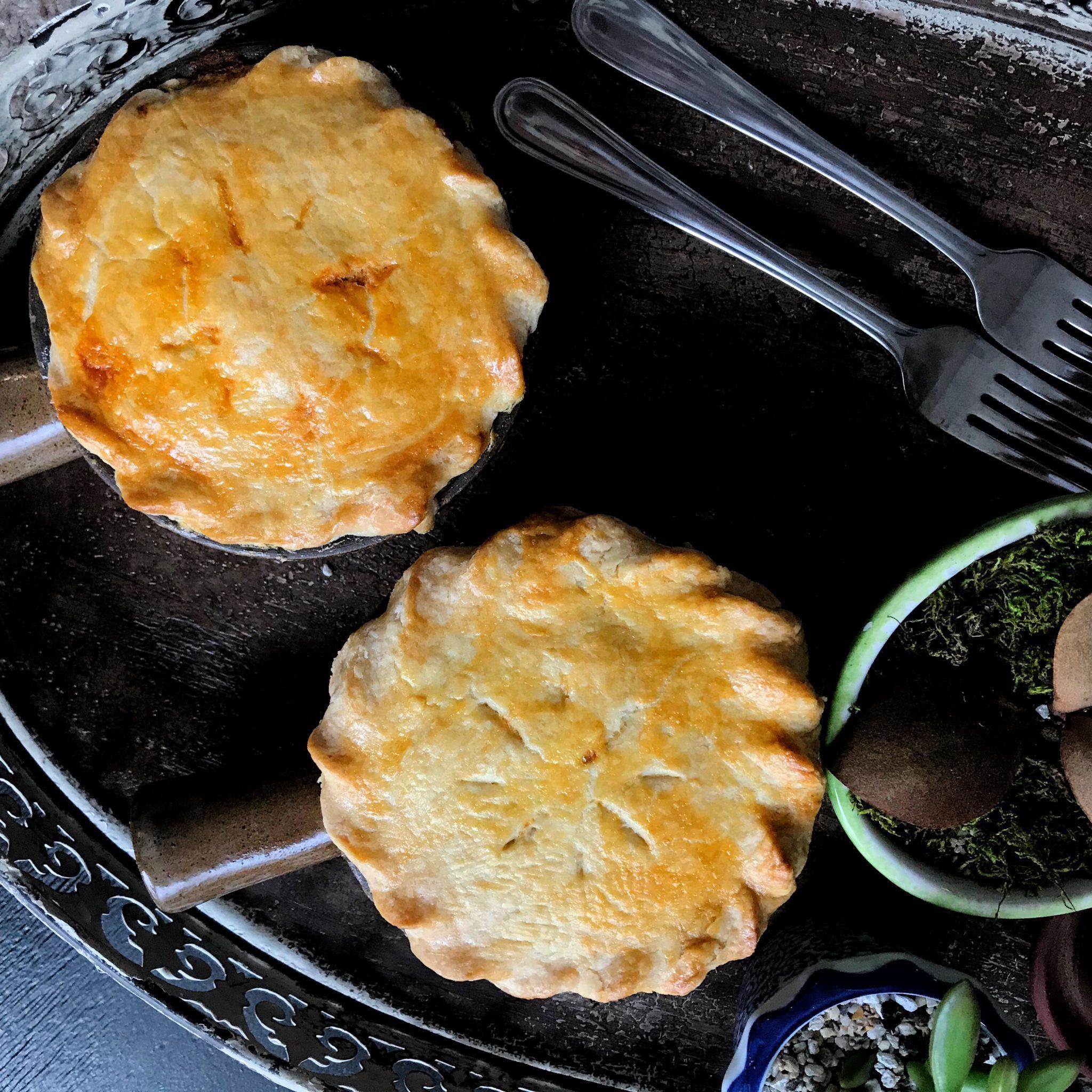 Sidesgiving recipes: Mini Turkey Pot Pies at Pot of Gold Recipes