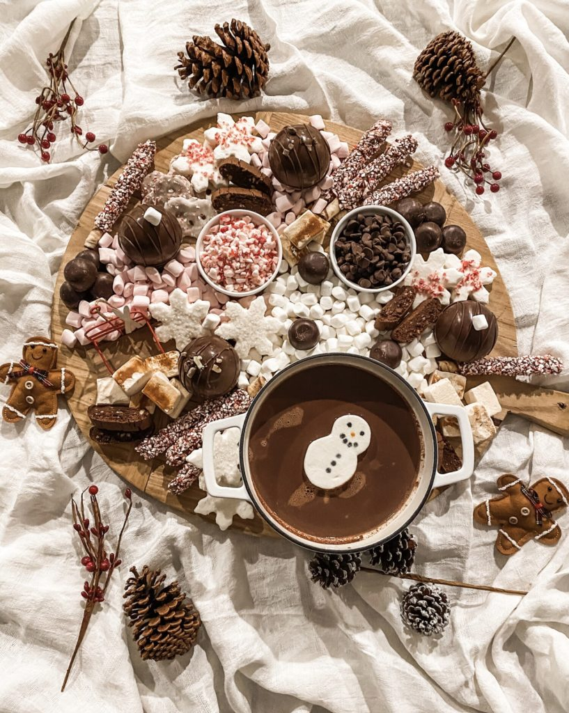 Celebrate the holidays with a fun hot cocoa charcuterie snack tray from Easy Livin