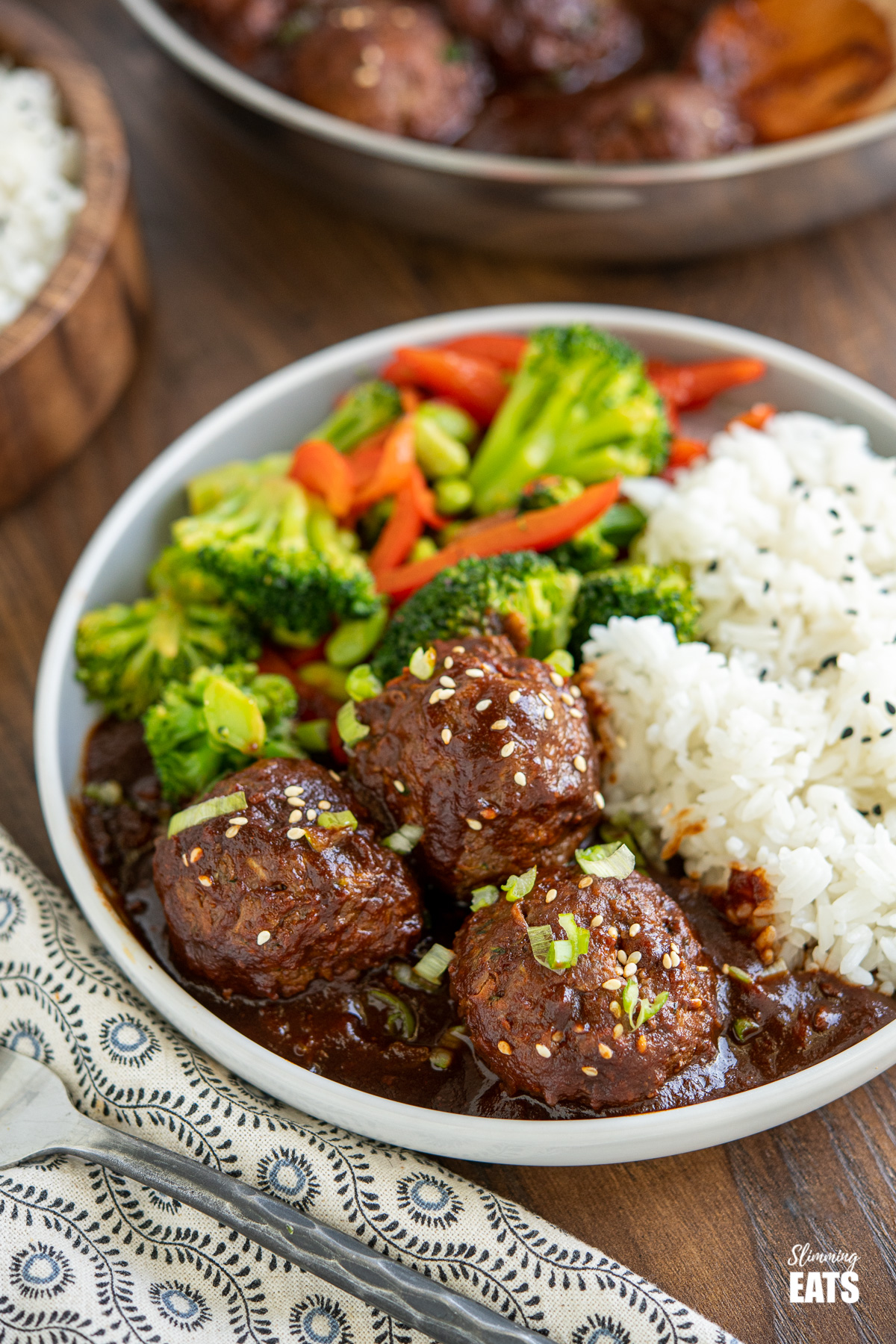 Delicious recipes with hidden veggies: Asian meatballs at Slimming Eats