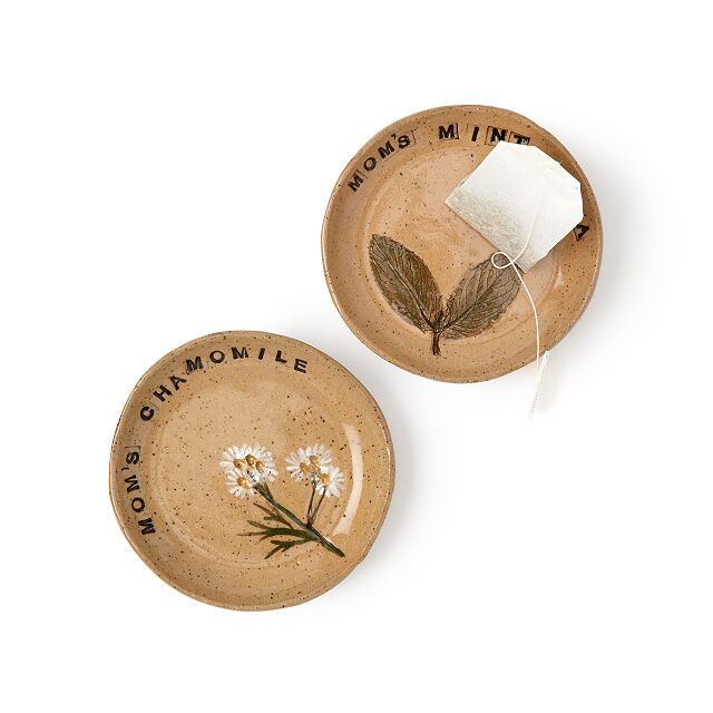 This handmade tea rest from Tara Kothari make a great gift for Mother's Day under $25