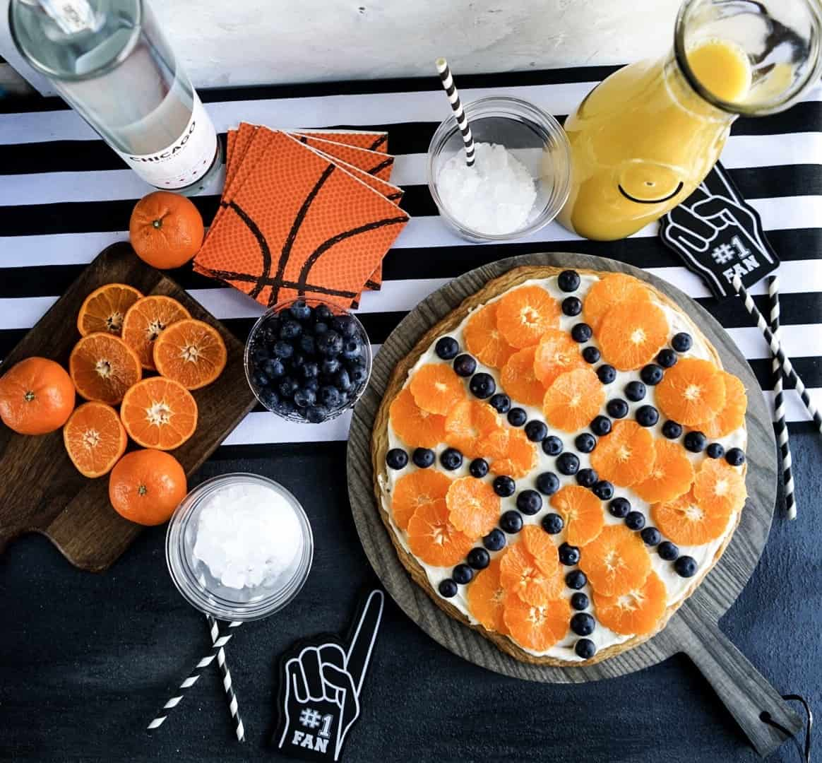 Dessert pizza recipes: Basketball pizza at Windy City Dinner Fairy