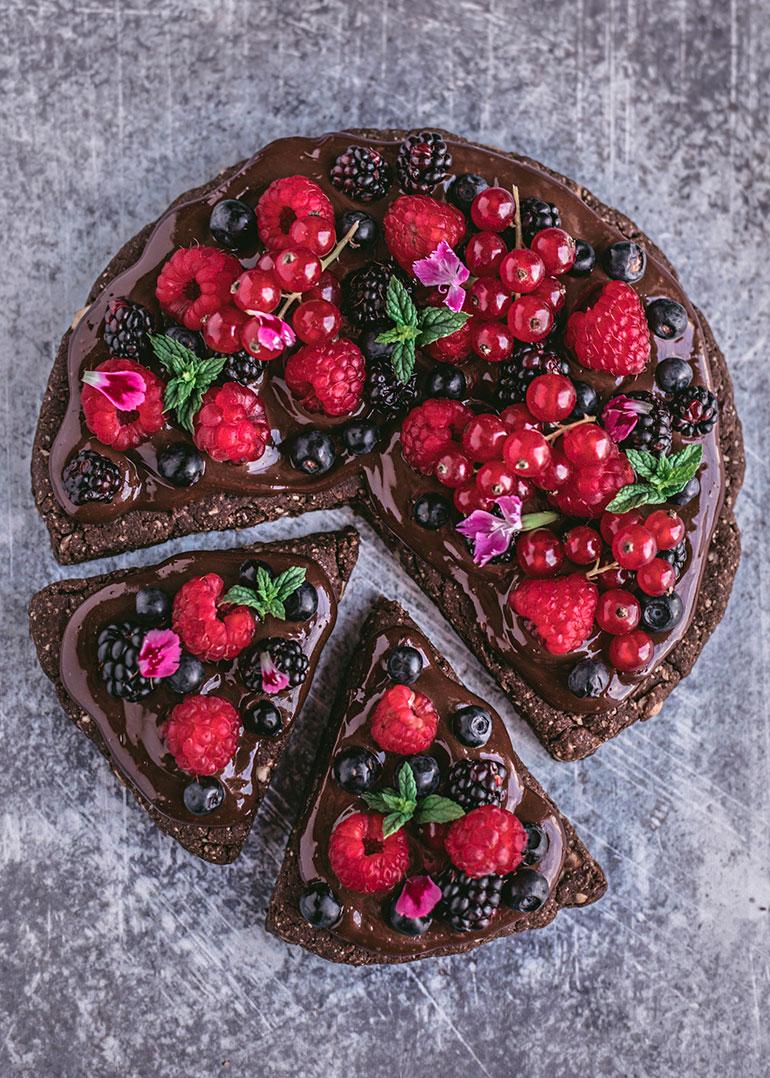 Dessert pizza recipes: Vegan, gluten-free double chocolate dessert pizza at Rainbow in my Kitchen