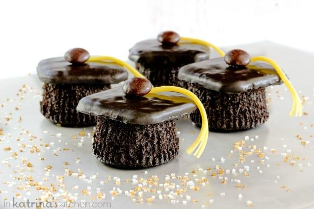 Graduation treats: Graduation cap cupcakes at In Katrina's Kitchen