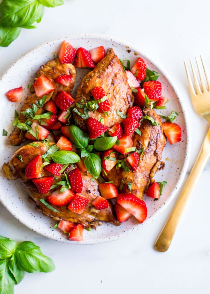 Strawberry-Basil-Chicken-from-Wholesomelicious.