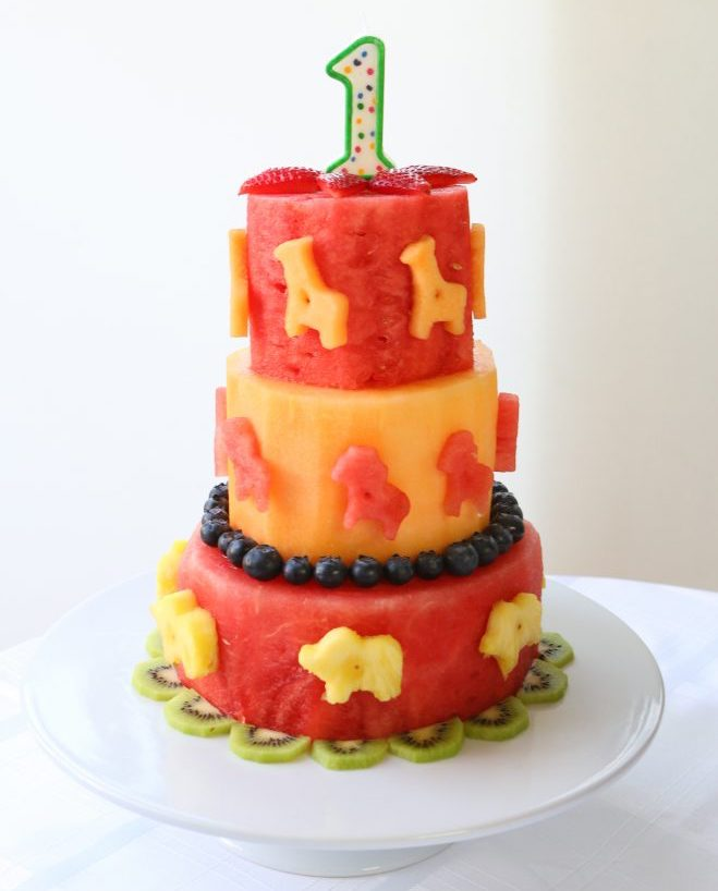 Buona Pappa makes it easy to make their allergy-free animal fruit birthday cake