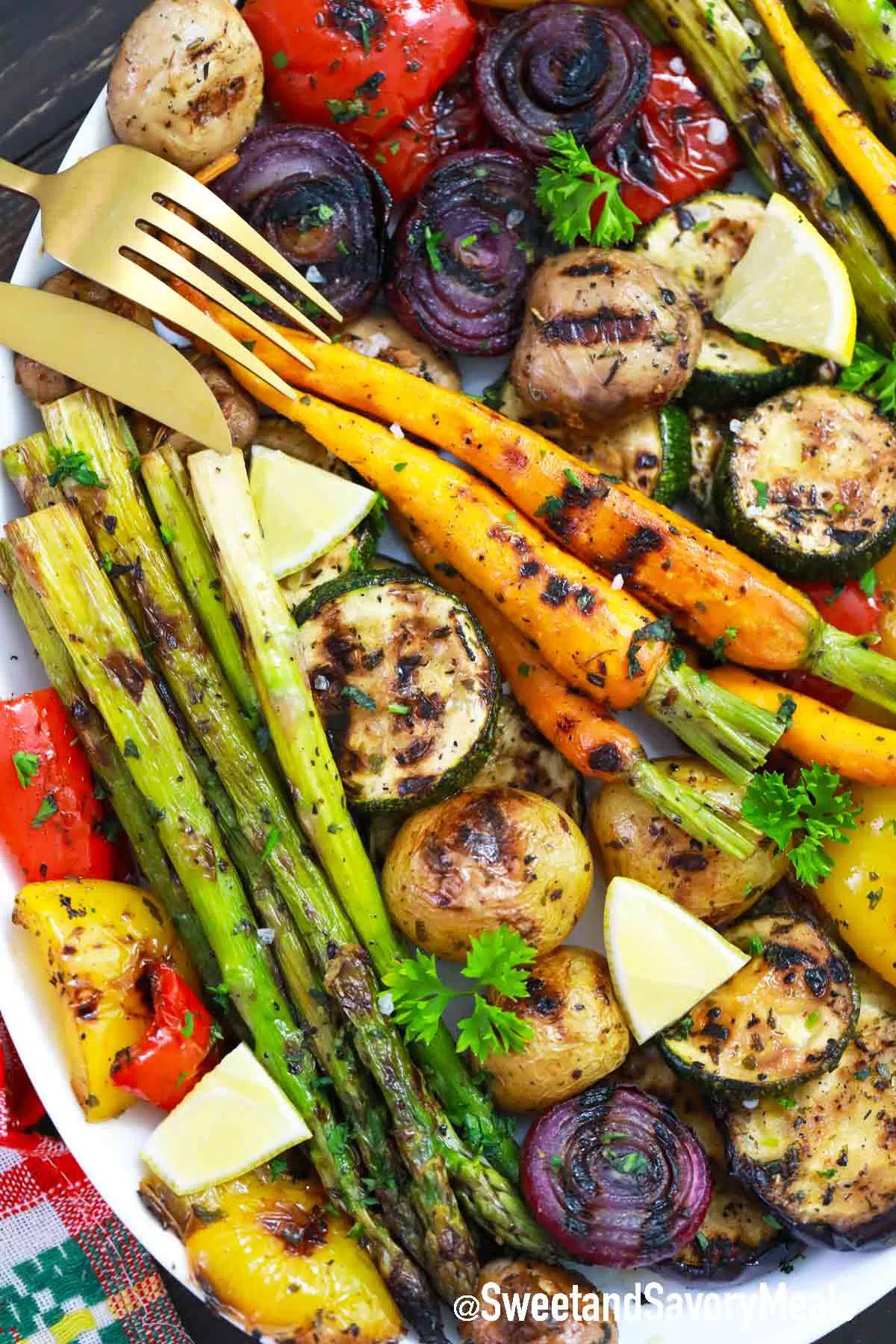 Meal plan ideas using August produce: Delicious marinated, grilled veggies at Sweet and Savory Meals